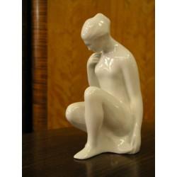 Akt zamyšlená - porcelán
